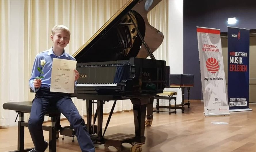 "Noah Merz erzielt 1. Preis beim Regionalwettbewerb ""Jugend musiziert"""