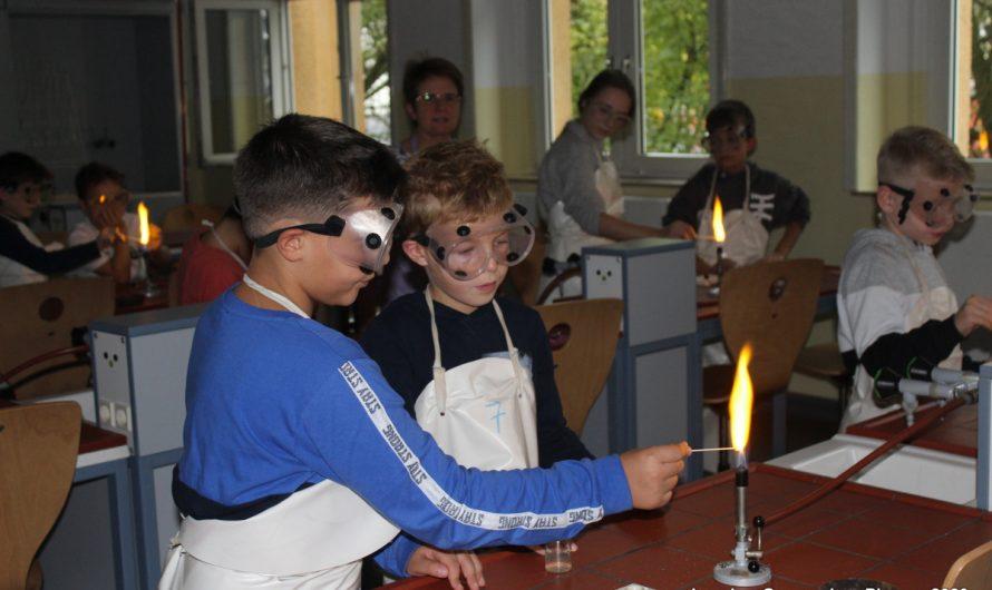 """Feuer-Projekt"" mit Grundschule Karl-Marx"