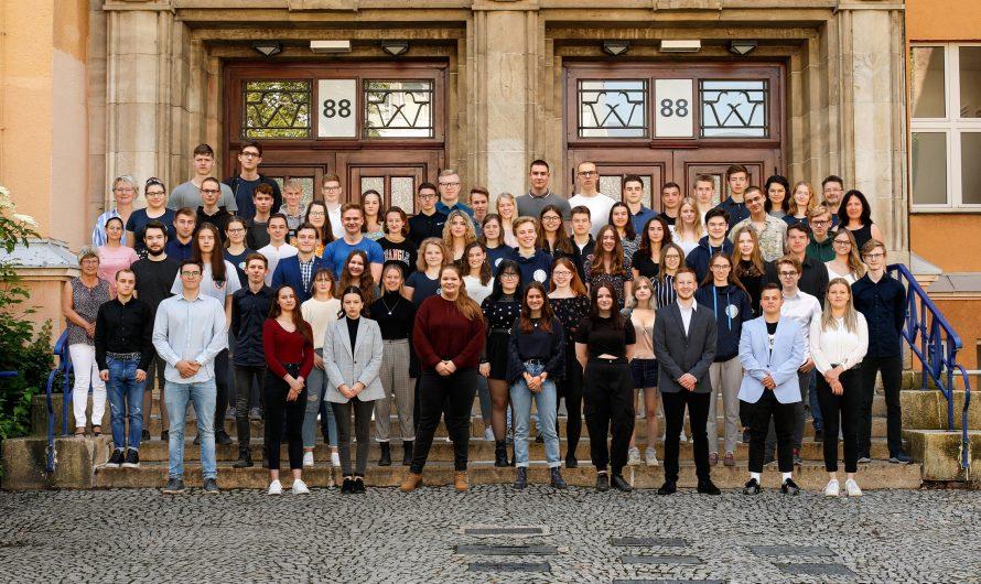 Jahrgangsfoto und Abiturienten-Porträts 2020